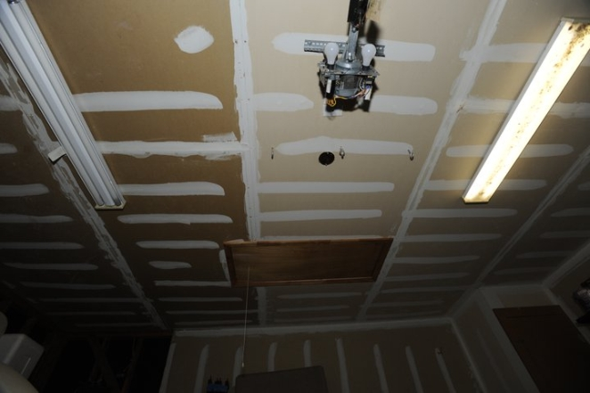 Cheap And Easy Way To Cover A Ceiling Pirate4x4 Com