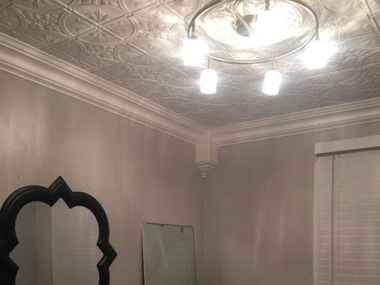 Crown Molding Inside Corner Block - Plain White