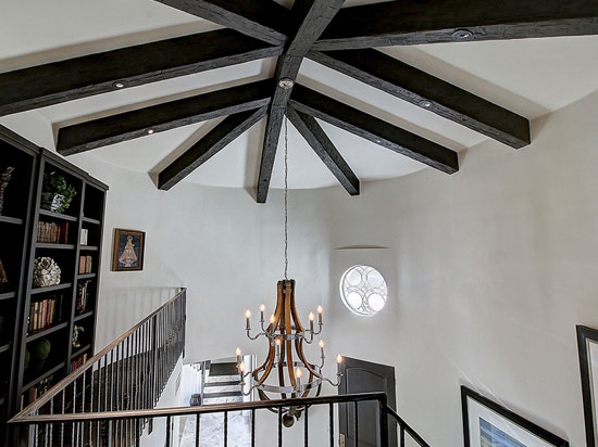 Beautiful Wood Beam Ceiling Ideas For A Modern Vintage Look